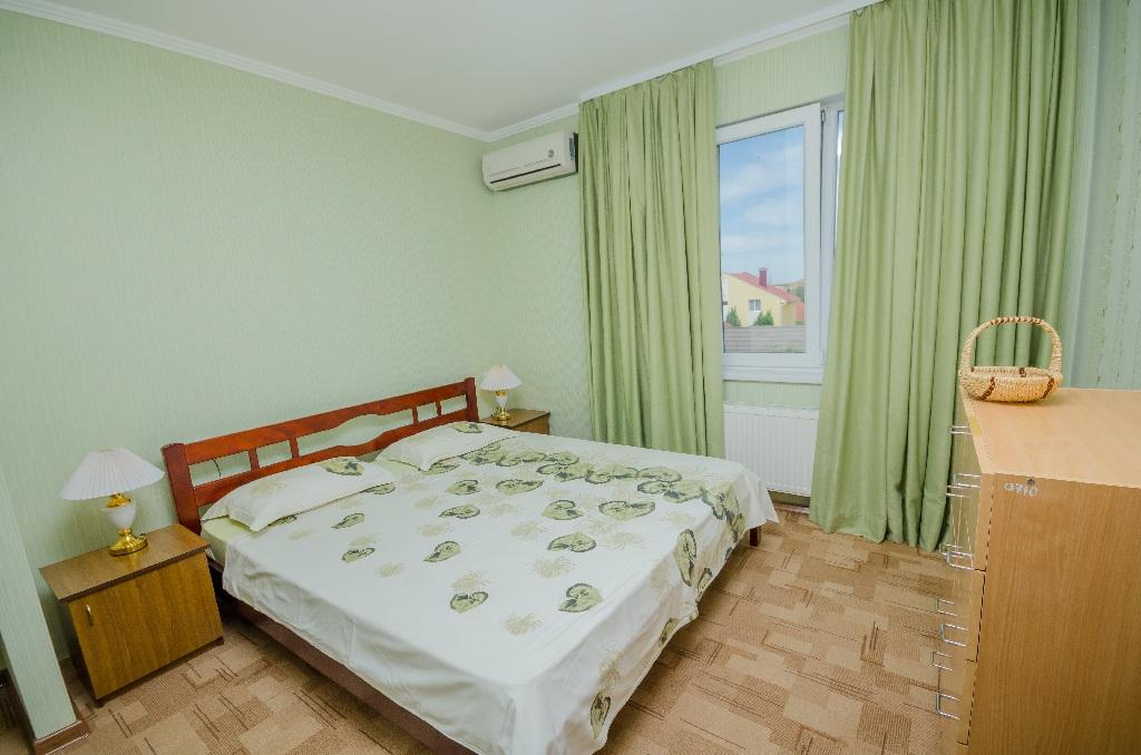 Отдых в Крыму, трехкомнатный номер