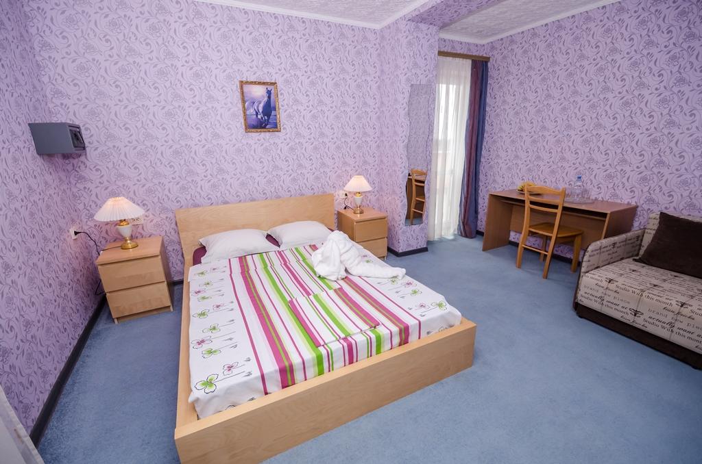 Отдых в Крыму, номер полулюкс