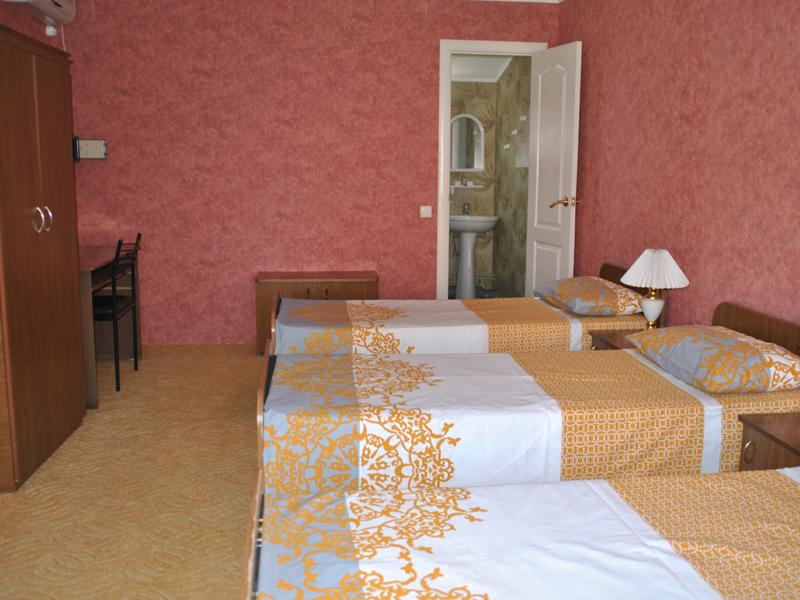 Отдых в Крыму, трехместный номер